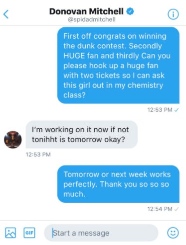 .@spidadmitchell hooked a fan up with tickets so he could ask a girl out from chemistry class 🙌 https://t.co/hKszkfbDzv