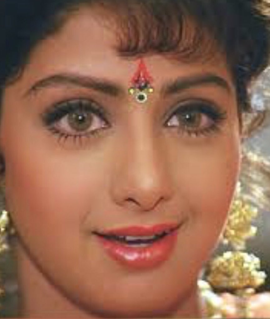Rest In Peace #Sridevi gone far too soon. Talented, beautiful and LEGEND  ❤️ https://t.co/LXkpiyoxqp