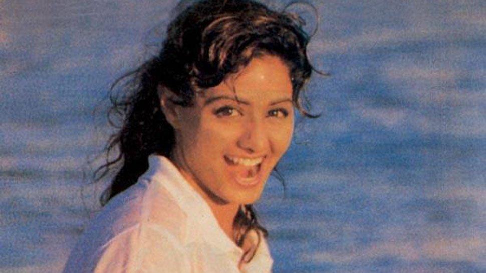 'A dark day': Megastar #Sridevi dies at 54, Bollywood grieves the end of Chandni #RIPSridevi https://t.co/kr0HWJdwYc