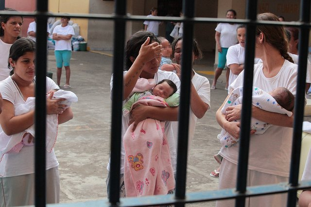 """Do @portaljovempan: Domiciliar a mães e grávidas em preventiva """"referenda direitos humanos"""" diz ONU https://t.co/5hoB4E5Dnr"""