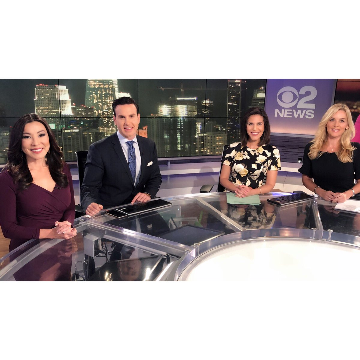 Back with my weekend crew tracking cold overnight temps and a couple chances for showers this coming week. ☁️☔️❄️ See you on KCAL9 8-1030p &  11p@CBSLA!