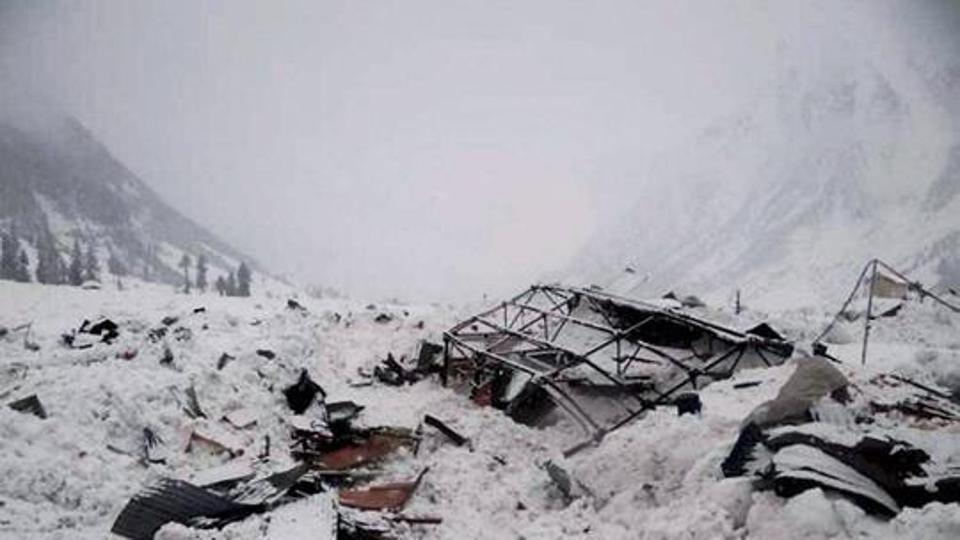 Himachal Pradesh: Army jawan trapped in Rohtang avalanche rescued https://t.co/n6t9oXIGQ2