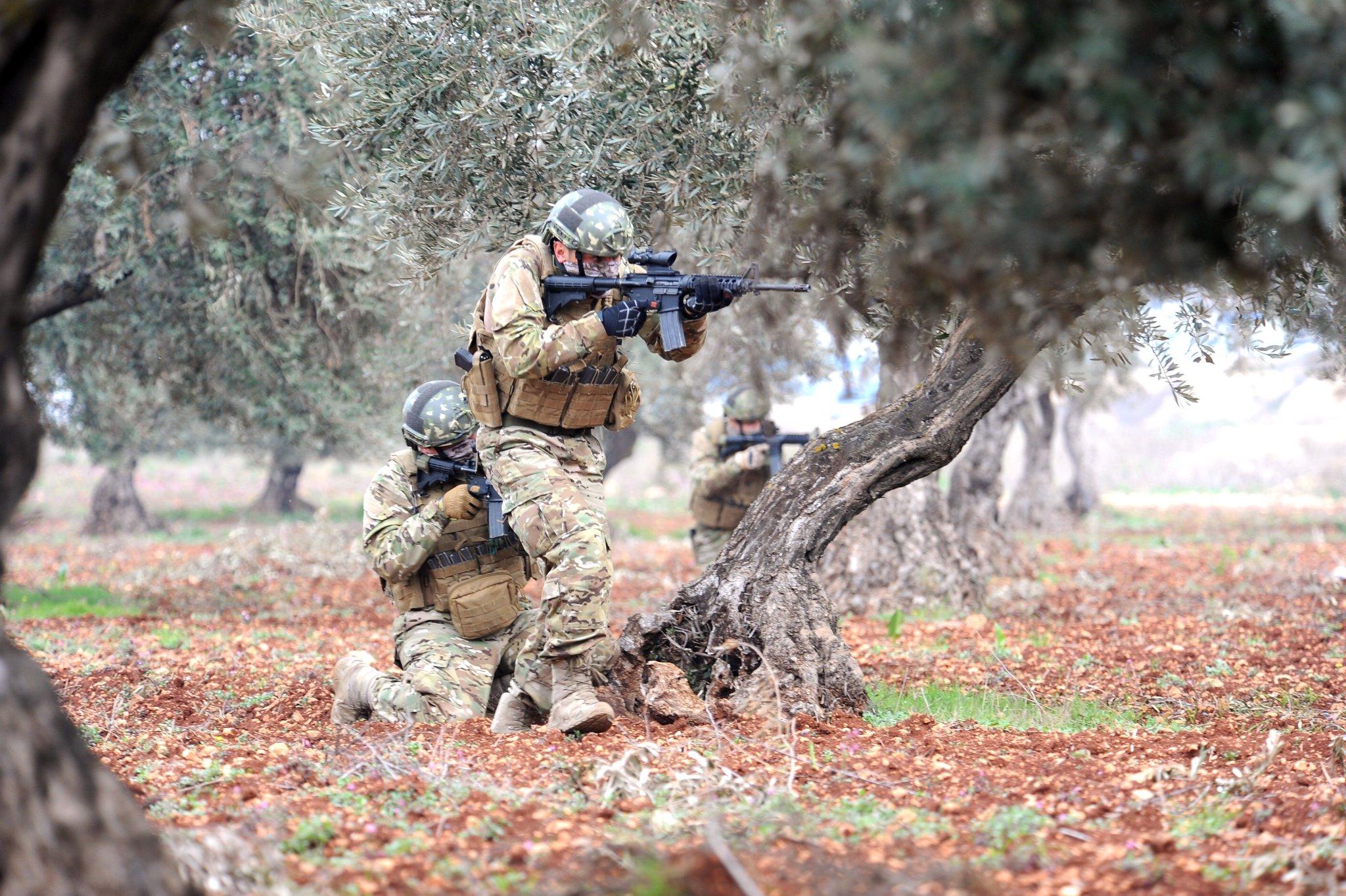 Guerre Civile en Syrie ( LISEZ LE PREMIER POST ! ) - Statut spécial  - - Page 14 DW3JvgCX0AAEss2