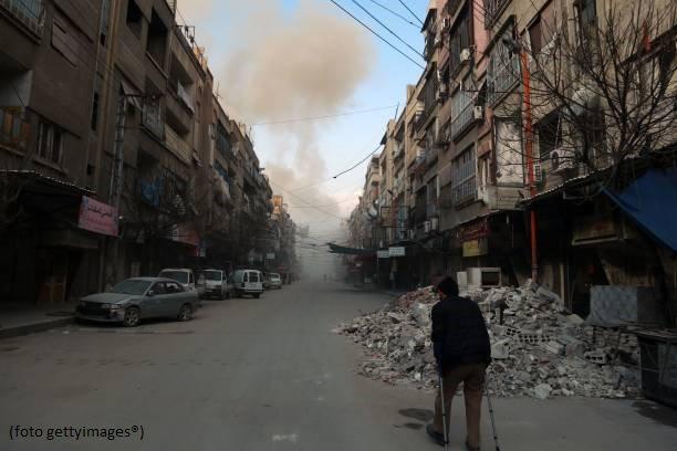 #UltimOra #Siria, secondo Osservatorio diritti la tregua imposta dall'Onu è già stata violata. Bombardamenti in varie zone del paese #canale50 https://t.co/0kxapzvQk0