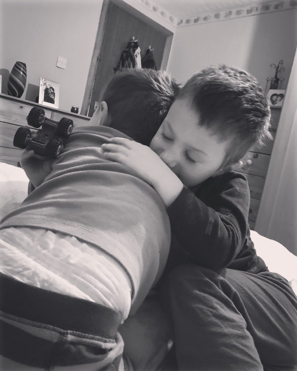 Between the arguments over who has what toy they can be very sweet to each other #brothers #cuddles #cuddlesinbed #brothercuddles #kidlife #brotherlife m #familylife #sunday #sundaycuddles #familylife #ukparentbloggers #mumtoboys #mumofboys #wingingit #wingingitwithtwoboyspic.twitter.com/9I9rCDzjrQ