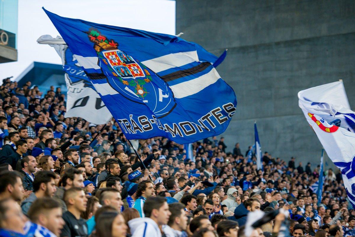 🔵⚪ Restam 2.500 bilhetes para o FC Porto-Sporting CP 👉 https://t.co/CBvaYOimmo 👍Garante já o teu!  #FCPorto #FCPSCP #MarAzul