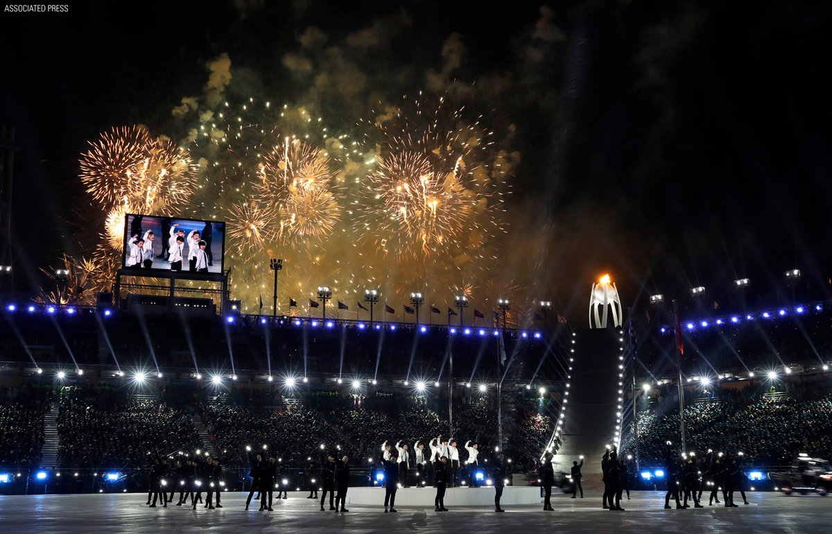 Fireworks explode as @weareoneEXO performs during the closing ceremony of the 2018 Winter #Olympics in #PyeongChang2018, South Korea. #Olympics_EXO_EXO