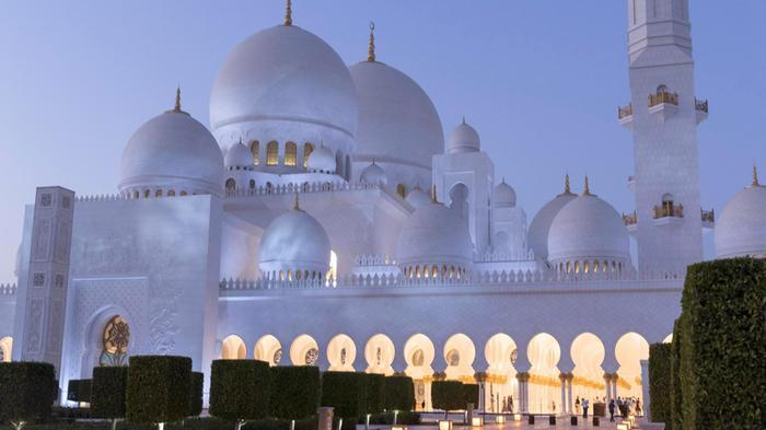 Sheikh Zayed Grand Mosque attracts 5.8m visitors in 2017 https://t.co/DYnP1IeH3S