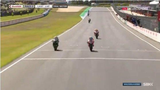 Superbike, esordio da urlo per Melandri su Ducati: vinta anche gara-2, ... - https://t.co/7YmTlpSO6L #blogsicilianotizie #todaysport