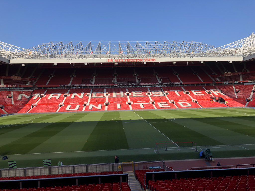 I'm excited to watch Chelsea at Manchester United today at Old Trafford. Just met Sir Alex Ferguson who is a legend. The buzz outside the stadium is awesome. 75,000 will jam this place. #TheatreOfDreams