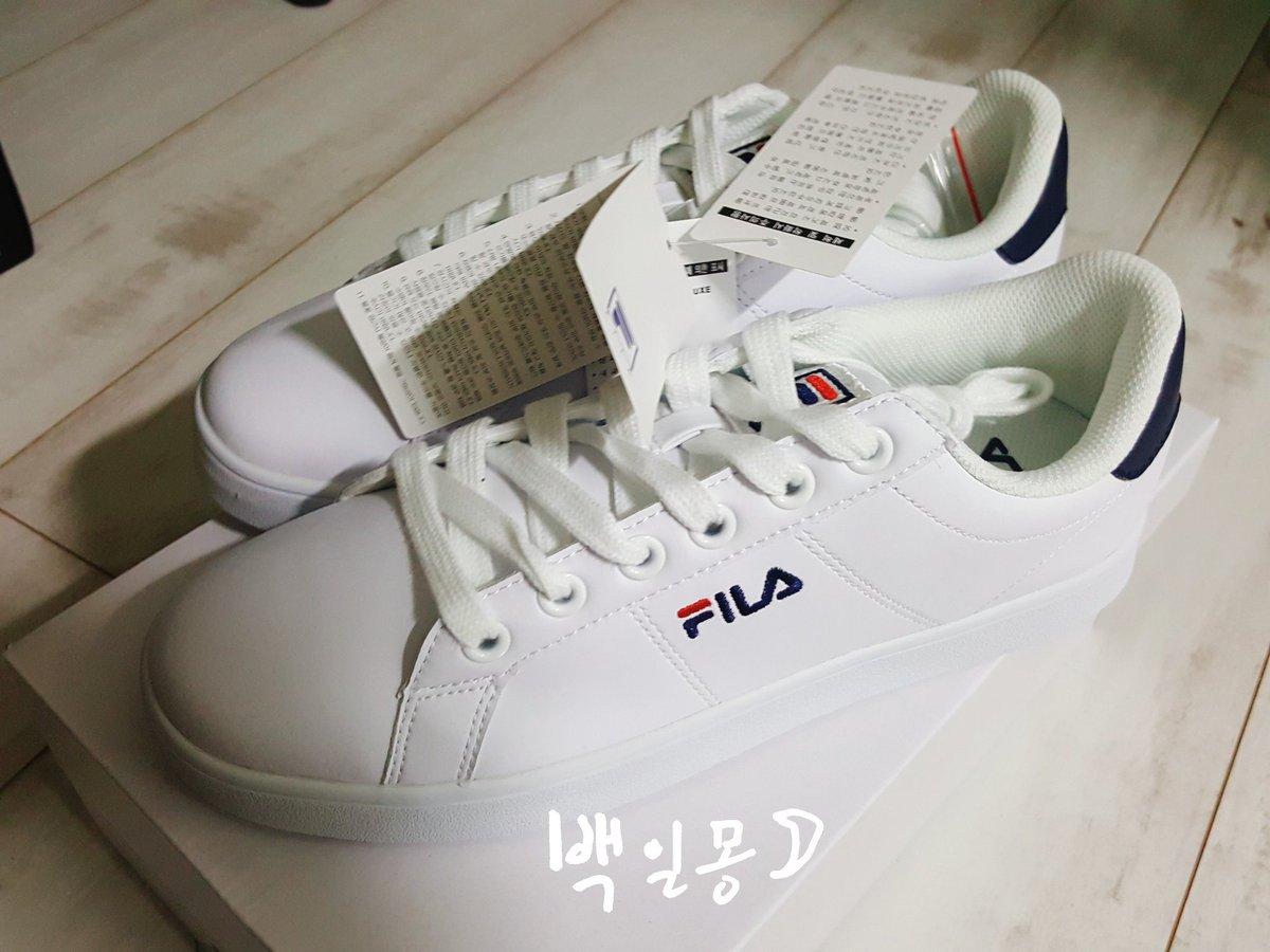작년 9월에 재미니한테 준 신발 재미니가 졸업식때 신고 왔어요 ㅜㅜ! 재...
