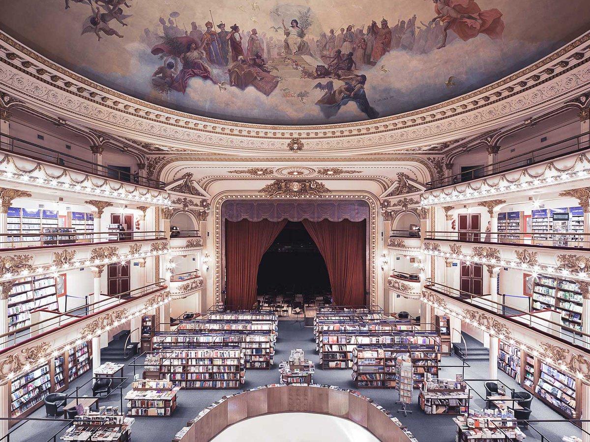敬虔な気持ちを呼び起こす「知識の寺院」としての図書館・18選 〈アーカイヴ記事〉 https://t.co/FCLORQeiSQ