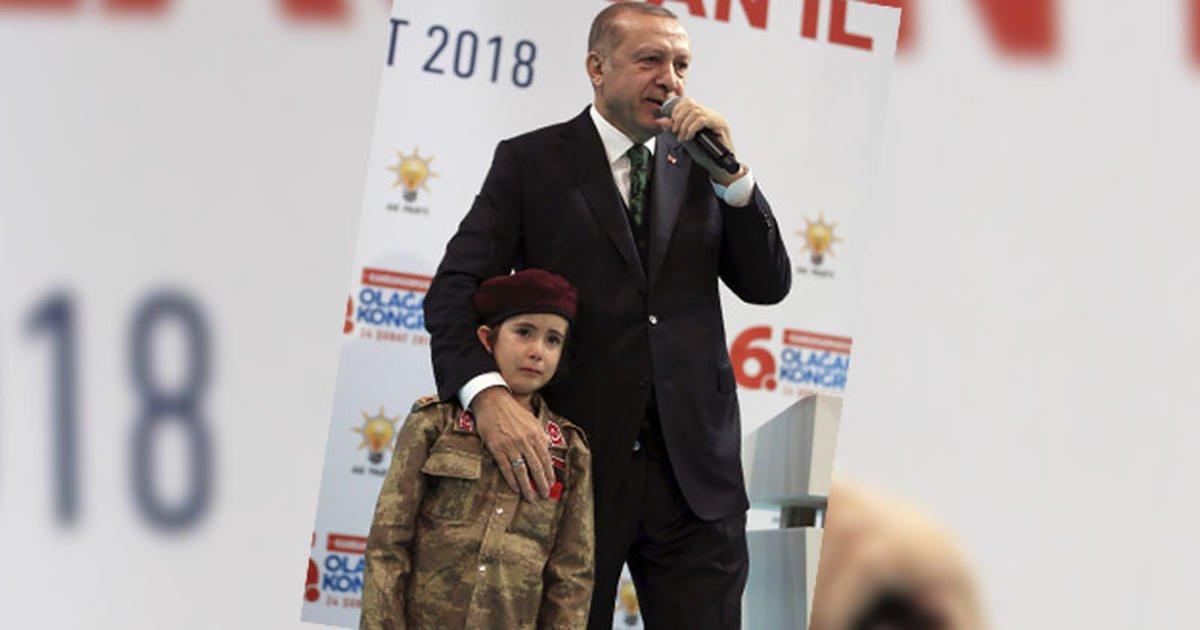 Türkei: Erdogan fragt Mädchen indirekt, ob sie für die Türkei auch sterben würde https://t.co/DikeXK3Ka1
