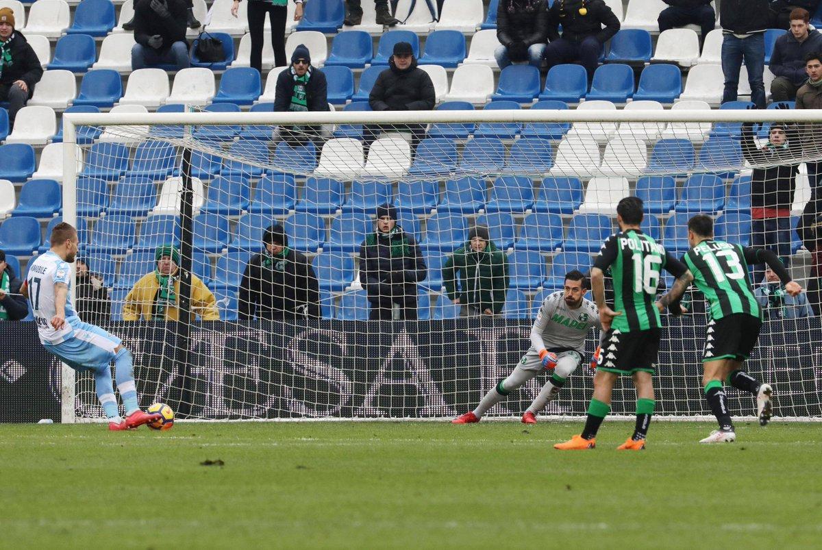 Calcio, serie A. La Lazio batte il Sassuolo e sorpassa l'Inter. https://t.co/jLcXFRBJF2