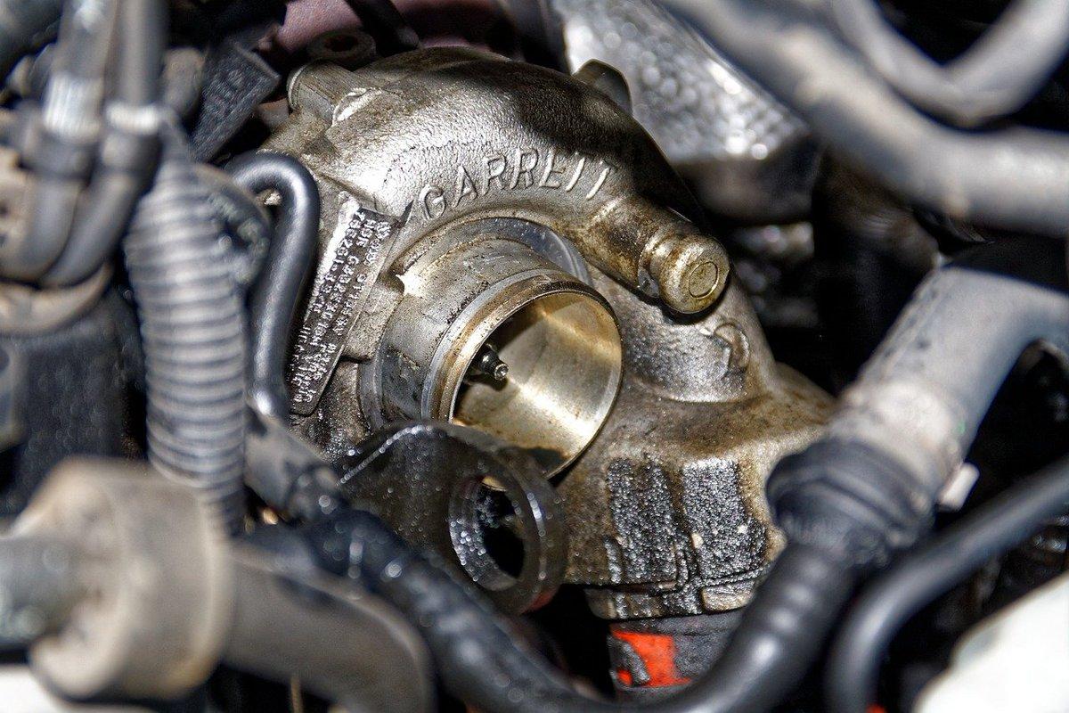 Financial Times: dal 2022 #FCA dirà addio alle auto con il motore diesel. Troppo alti i costi per soddisfare le direttive anti-emissioni → https://t.co/EQbyOaIZQT