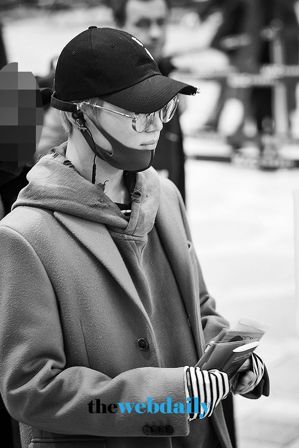 {NEWS PIC} 180225 #Taemin - Gimpo International Airport to Tokyo (4P) 5. https://t.co/fuOBw2MLAf