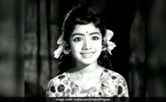 #Sridevi was loved by millions for her roles in iconic movies like 'Sadma', 'Lamhe' 'Mr India', 'Chandni' and 'Himmatwala'. A versatile actor, she had ruled not only in Bollywood, but also the Tamil, Telugu and Kannada film industry  Read more here: https://t.co/Q5vXEK97fz