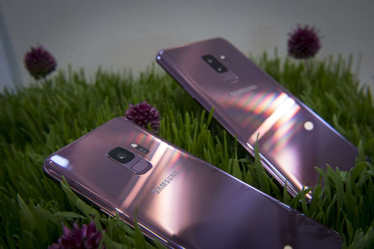 Samsung grabs center stage at Mobile World Congress with the unveiling of its latest flagship handset: the Galaxy S9 https://t.co/J5uf9Vt2KJ