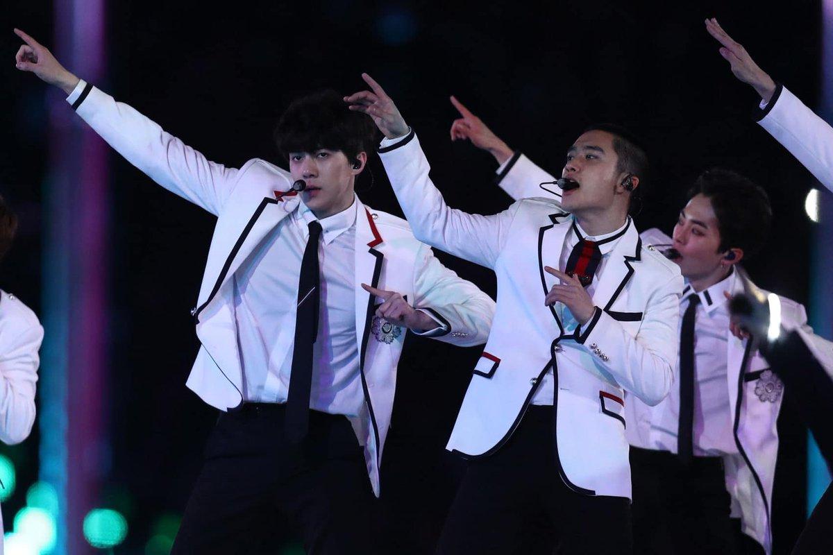 Korean pop band EXO wow crowds at the Winter Olympics closing ceremony https://t.co/PxtDz95V6F