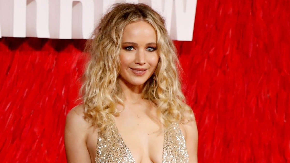 Jennifer Lawrence reveals she's developing a TV series with Catt Sadler https://t.co/A2mikjQJit