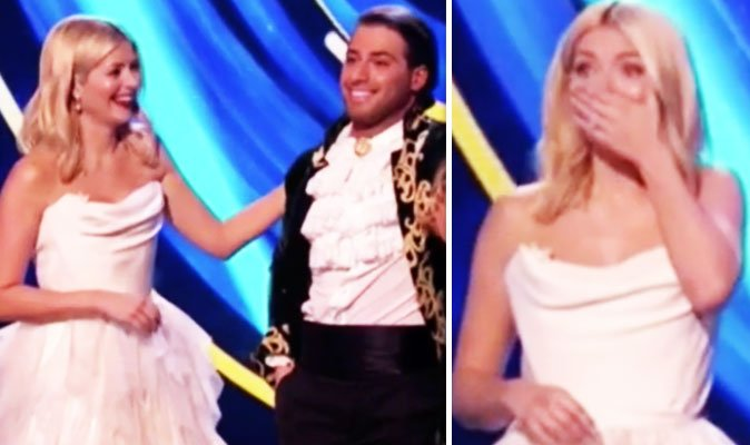 #DancingOnIce 2018: Holly Willoughby HYSTERICAL live on air as she's forced to apologise  https://t.co/TYbcsGORqJ