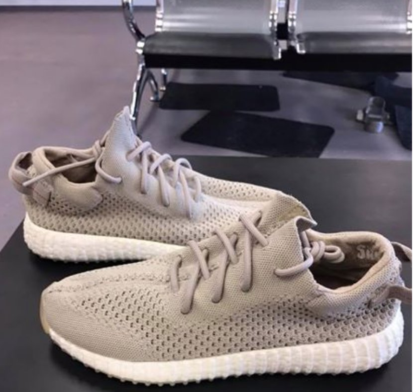 b1055b30c  Throwback YEEZY BOOST 350 SAMPLE with a fully exposed BOOST sole Thoughts  on this rare pair from 2015  pic.twitter.com 2psvRpXZiK