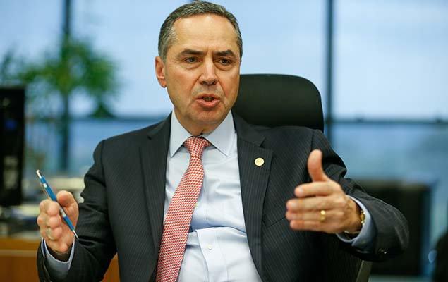 Blog do Josias:  Barroso liga para delegado que investiga Temer https://t.co/c6UUfk4XCr