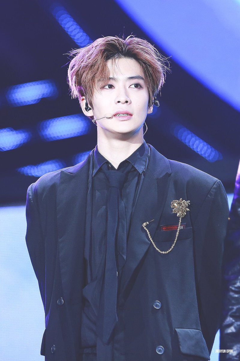 Jaehyun's hair and fit on 170929.... sup...
