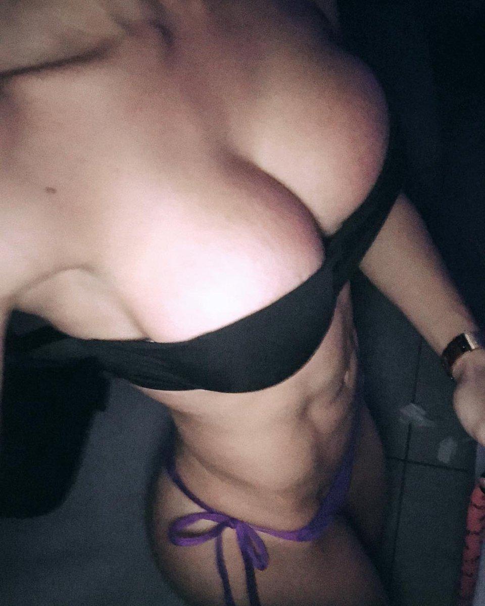 huge tits 18