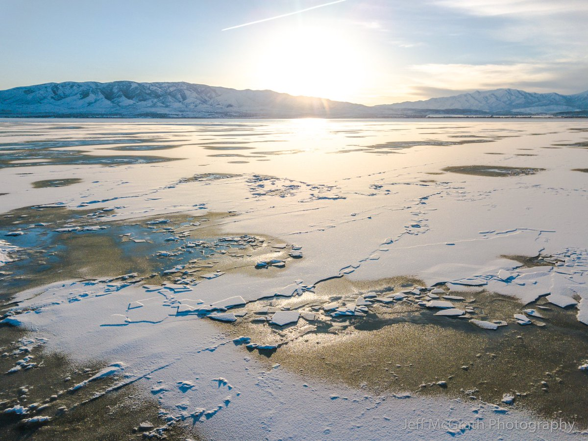 Jeff McGrath (@youtah) on Twitter: Utah Lake is just stunning right now. This was taken at the Northern End with my drone while flying for recreational fun. #utwx #dronephotography #recreationaldrone