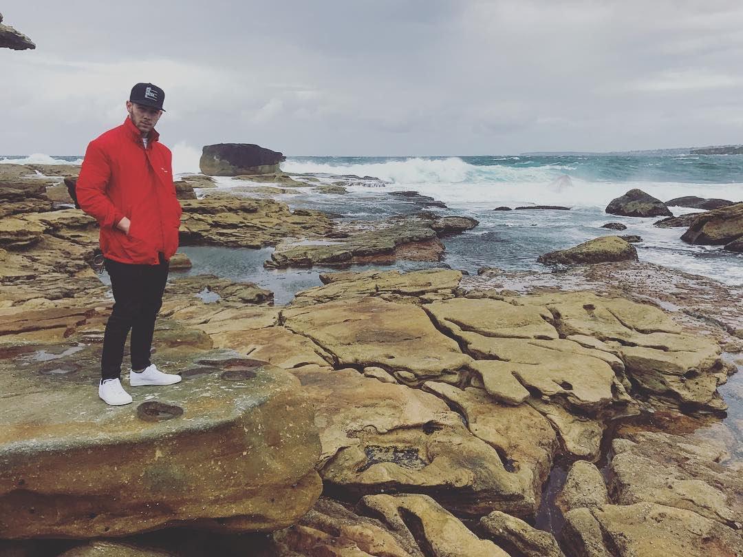 Went to sleep and woke up in Australia. 📸 @joejonas