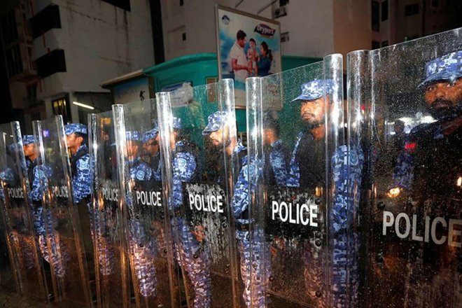 Emergency in #Maldives: Police issues curfew to halt opposition's gathering https://t.co/VIFbz6WHHr