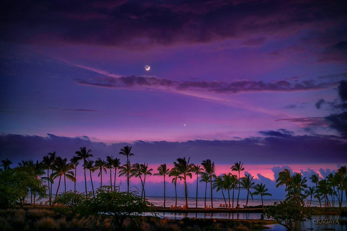 3月のお勧め天文現象(すべて肉眼でOK) ▶3/2 満月 ▶3/19夕 西空低く三日月と金星が近づいて見える ▶3/23-26 宵に宇宙ステーションが見える ▶3/31 満月 写真は以前撮影した細い月と金星(ハワイ島にて)