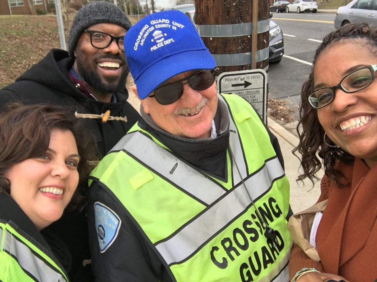 RT <a target='_blank' href='http://twitter.com/ReneeHarber'>@ReneeHarber</a>: Swanson appreciates our bus and crossing guard staff❤️❤️ <a target='_blank' href='http://twitter.com/SwansonAdmirals'>@SwansonAdmirals</a> <a target='_blank' href='http://twitter.com/APSVirginia'>@APSVirginia</a> <a target='_blank' href='https://t.co/klzLeGnJpl'>https://t.co/klzLeGnJpl</a>