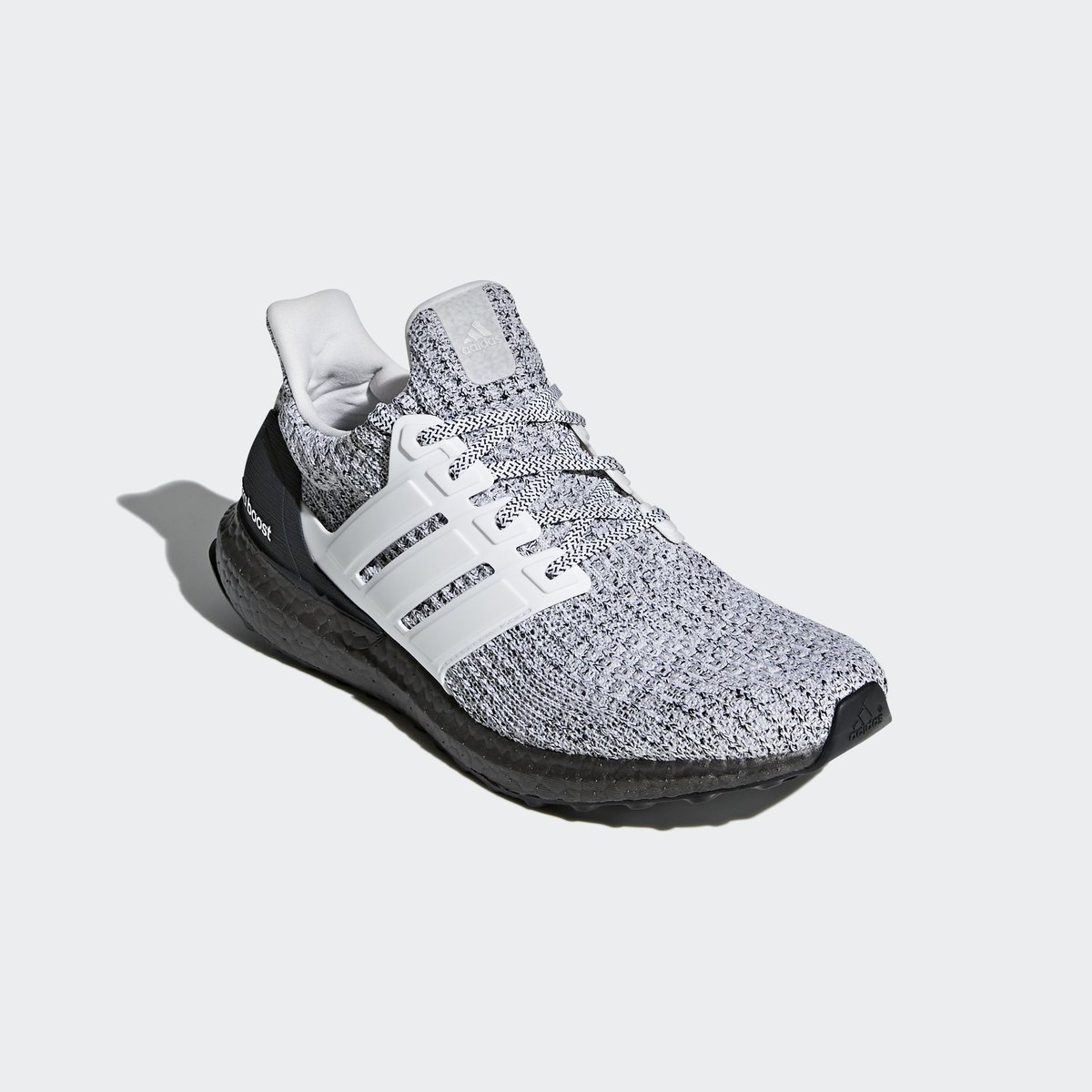 f5a53faba55 Now available on  Eastbay. adidas Ultra Boost 4.0 Oreo. —   http   bit.ly 2F38Ebj pic.twitter.com 7VwQTayvxB