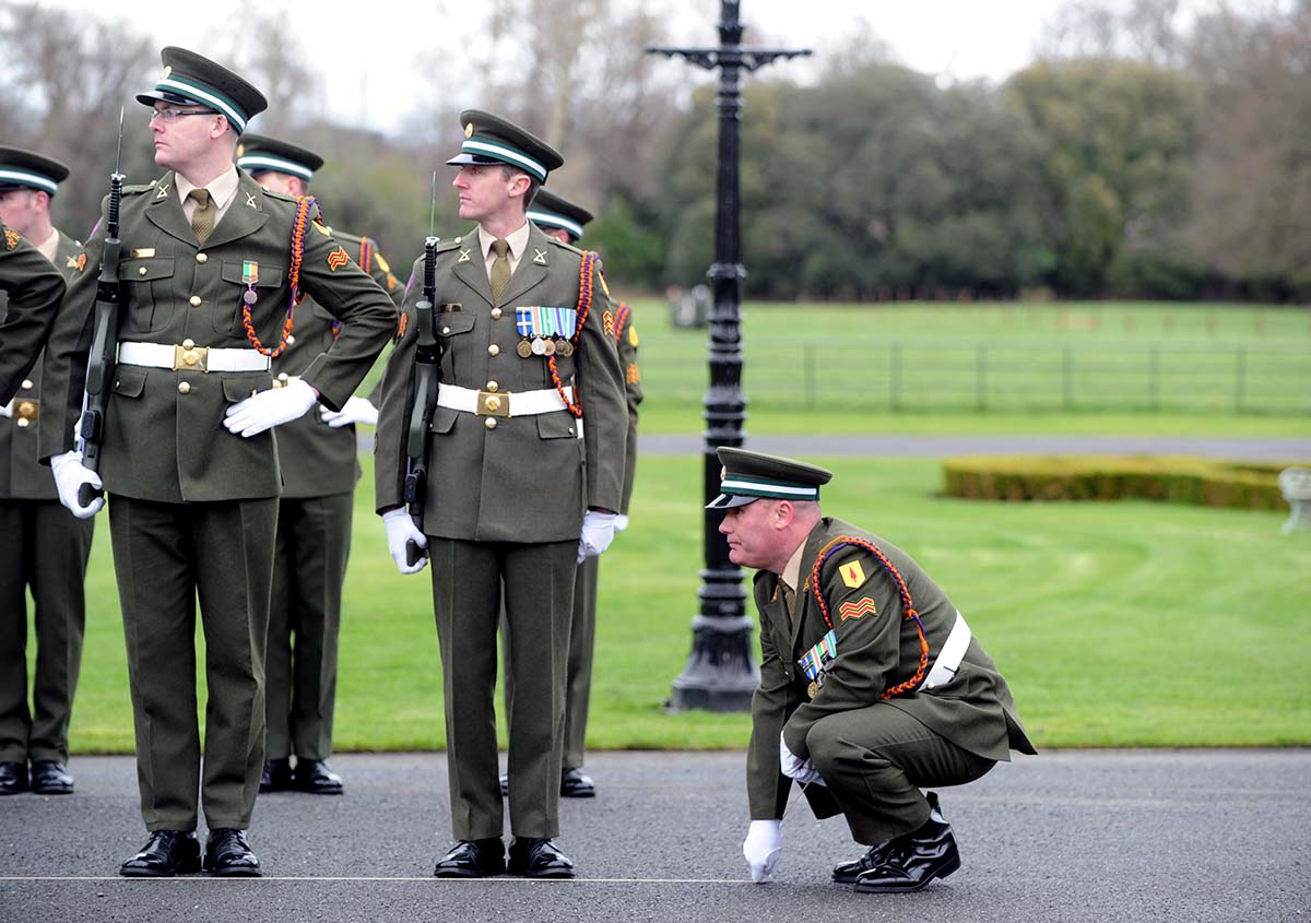 irish defence forces history The defence forces (irish: fórsaí cosanta, officially styled óglaigh na héireann) is the military of the republic of ireland, which encompass the army, air corps, naval service and reserve defence forces.