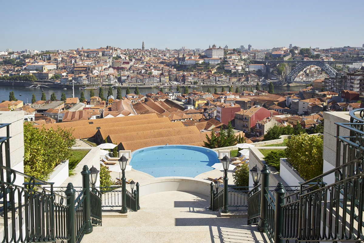 Wine lovers, @TheYeatman is the hotel for you. See why the property is the No. 1 Best Hotel in Porto: https://t.co/zU6wZtbM3u #BestHotels18 https://t.co/S6g5mGbTv1