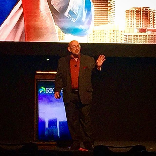 """""""Today is the 16,167 since the 1973 oil crisis in which not one American was killed defending ethanol interests"""" - Marc Rauch, Co-Founder of The Auto Channel at the #RenewableFuels Association National #Ethanol Conference in #SanAntonioTX.  #RFANEC18 #re…  http:// ift.tt/2ClRGBY  &nbsp;  <br>http://pic.twitter.com/FOPxAryY0T"""