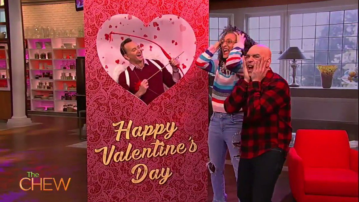 Check out @Clinton_Kelly​ whip up the TASTIEST Cookies and Cream Sweetheart to share with your sweetheart! Or yourself, lets be real.
