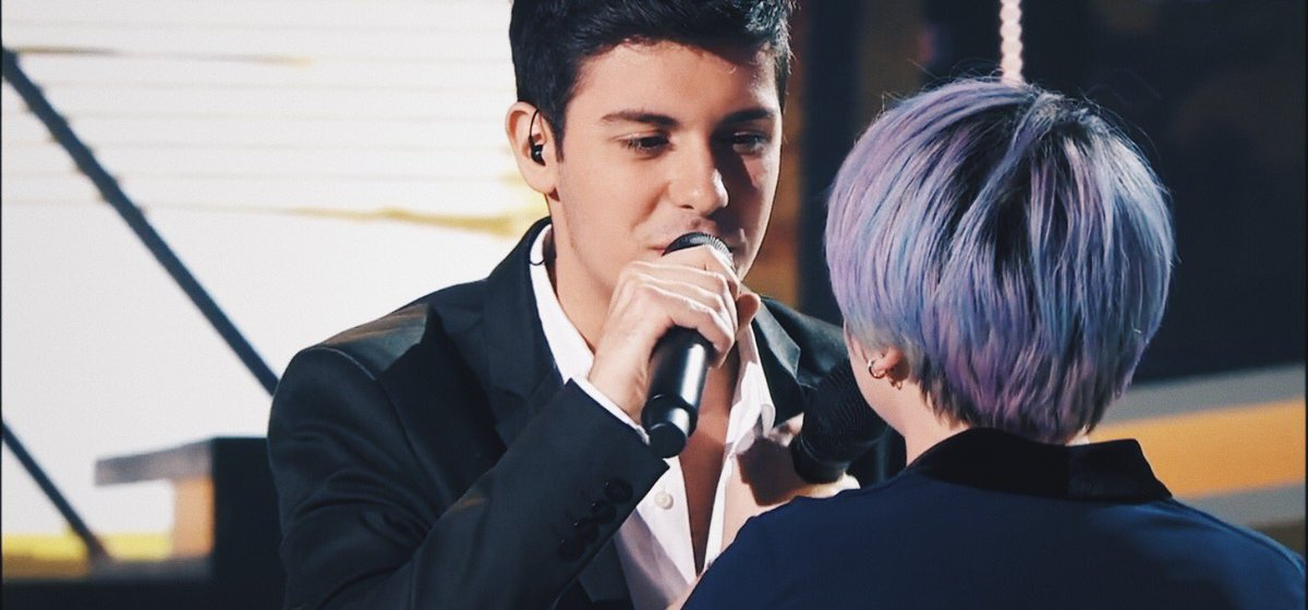"Alfred y Marina cantando ""Don't dream it's over"" 2 #OTDirecto14F #OTDirecto15F <br>http://pic.twitter.com/cG3x1JbywU"