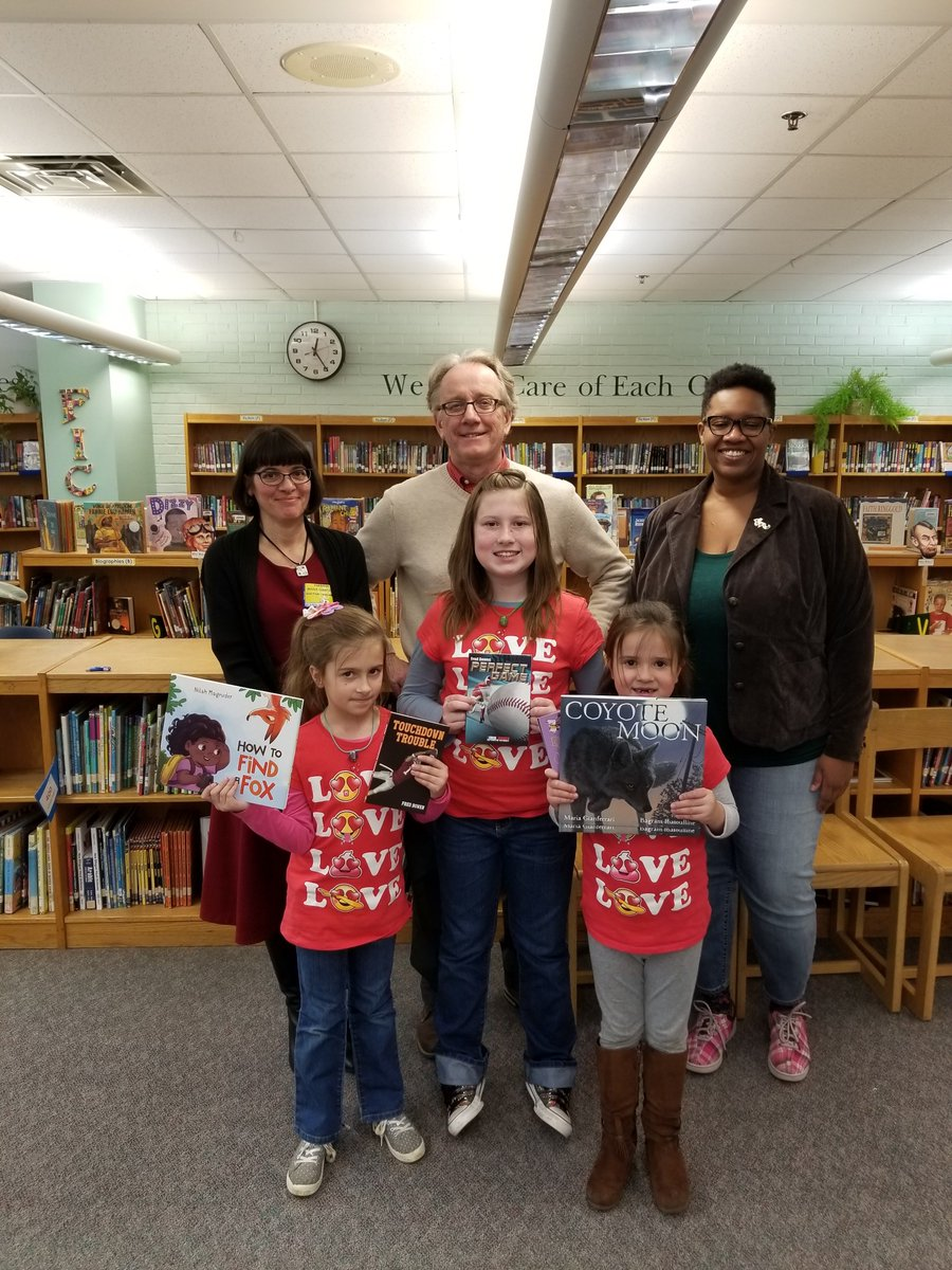 Author love <a target='_blank' href='http://twitter.com/OakridgeConnect'>@OakridgeConnect</a> today.  Talented and generous authors answering students' questions and sharing writing tips and insights. Thank you <a target='_blank' href='http://twitter.com/nilaffle'>@nilaffle</a> <a target='_blank' href='http://twitter.com/FredBowenBooks'>@FredBowenBooks</a> and Maria Gianferrari.  <a target='_blank' href='http://twitter.com/APSLibrarians'>@APSLibrarians</a> <a target='_blank' href='http://twitter.com/APS_ELA_Elem'>@APS_ELA_Elem</a> <a target='_blank' href='http://twitter.com/APSLiteracy'>@APSLiteracy</a>. Thanks to <a target='_blank' href='http://search.twitter.com/search?q=OakridgePTA'><a target='_blank' href='https://twitter.com/hashtag/OakridgePTA?src=hash'>#OakridgePTA</a></a>. <a target='_blank' href='https://t.co/W7AGNgGdlO'>https://t.co/W7AGNgGdlO</a>