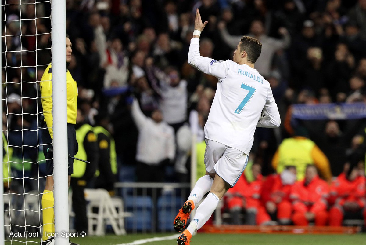 🔥 Forme de Cristiano Ronaldo en Ligue des Champions :  ⚽️⚽️ vs Bayern ⚽️⚽️⚽️ Bayern ⚽️⚽️⚽️ Atlético ✖️ Atlético  ⚽️⚽️ Juventus ⚽️⚽️ APOEL ⚽️⚽️ Dortmund ⚽️ Tottenham ⚽️ Tottenham ⚽️⚽️ APOEL ⚽️ Dortmund ⚽️⚽️ Paris  M O N S T R U E U X