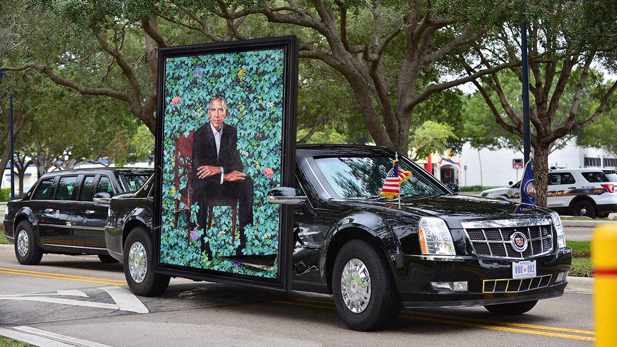 Beautiful! Obama Just Proudly Nailed His Presidential Portrait To The Side Of His Car clckhl.co/bjnDEjE
