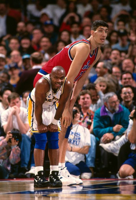 """(1995) Happy birthday to the tallest player in NBA history, 7\7\"""" Gheorghe Muresan!"""