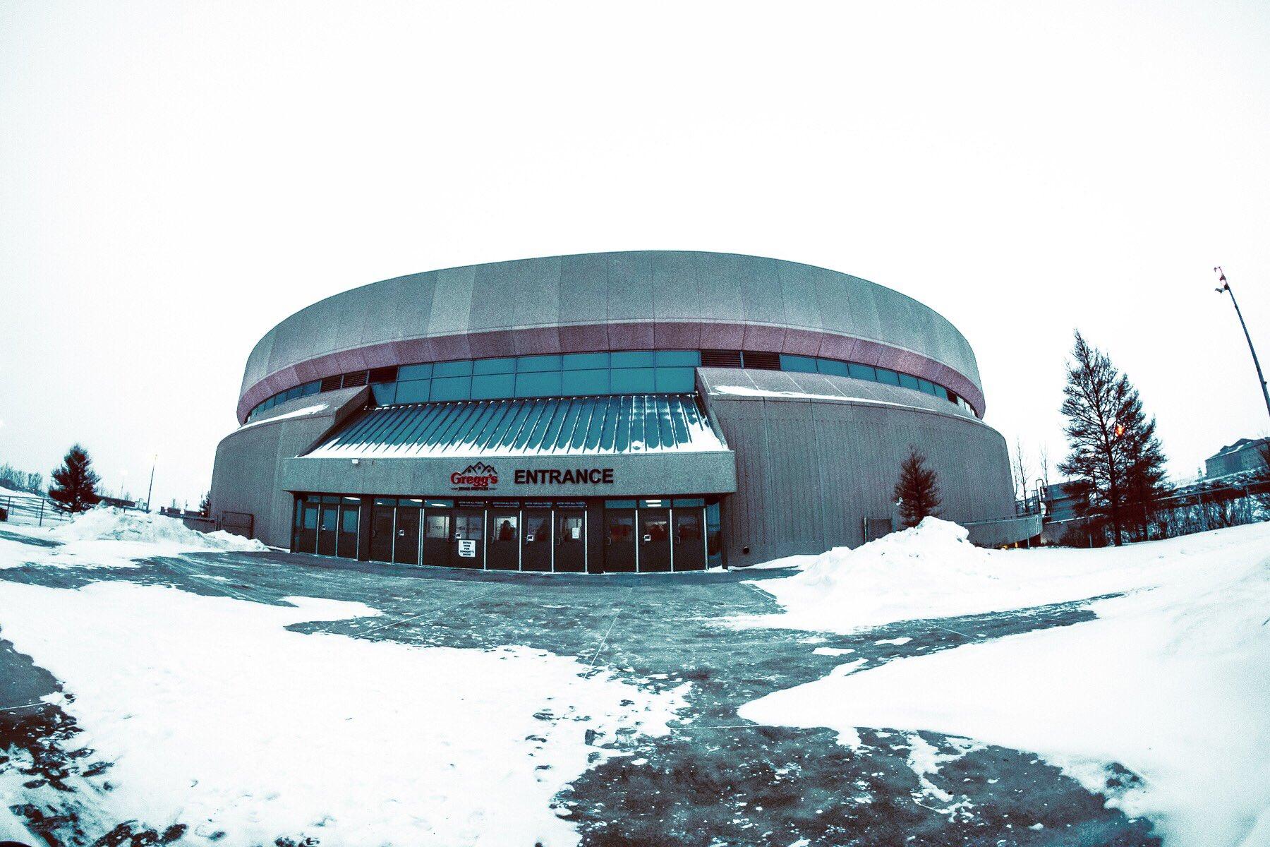 A bit brisk here in Saskatoon today. ❄️❄️❄️ #thestageworldtour #avengedsevenfold ��:@rafacore https://t.co/0uaZMOl6jI