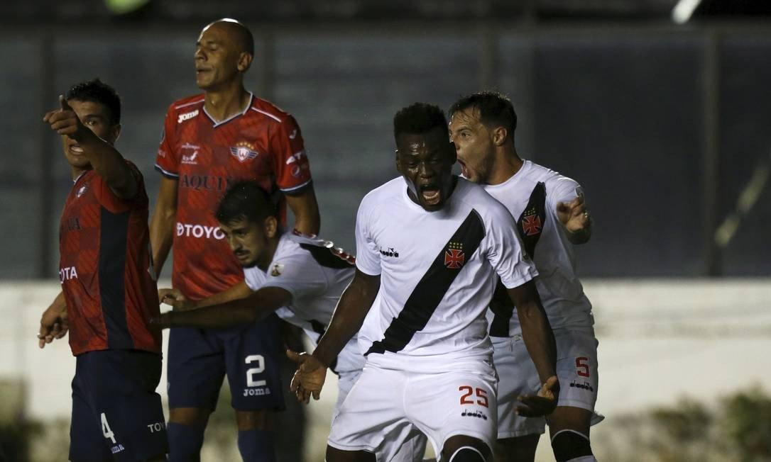Vasco goleia o Jorge Wilstermann em São Januário.  https://t.co/eDGHG9Uzl6