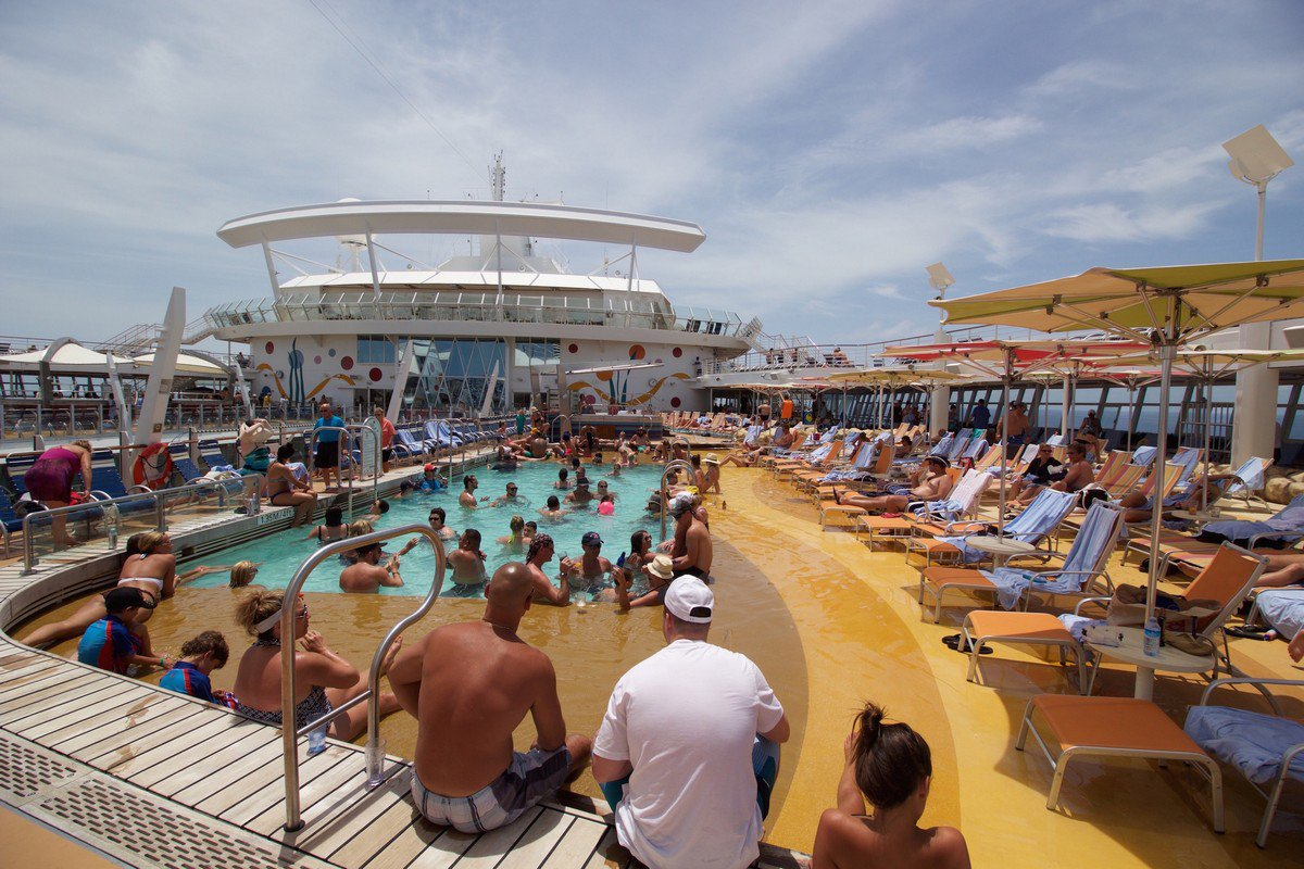 Cruise Ship Mingle CruiseSMingle Twitter - How much do cruise ships make