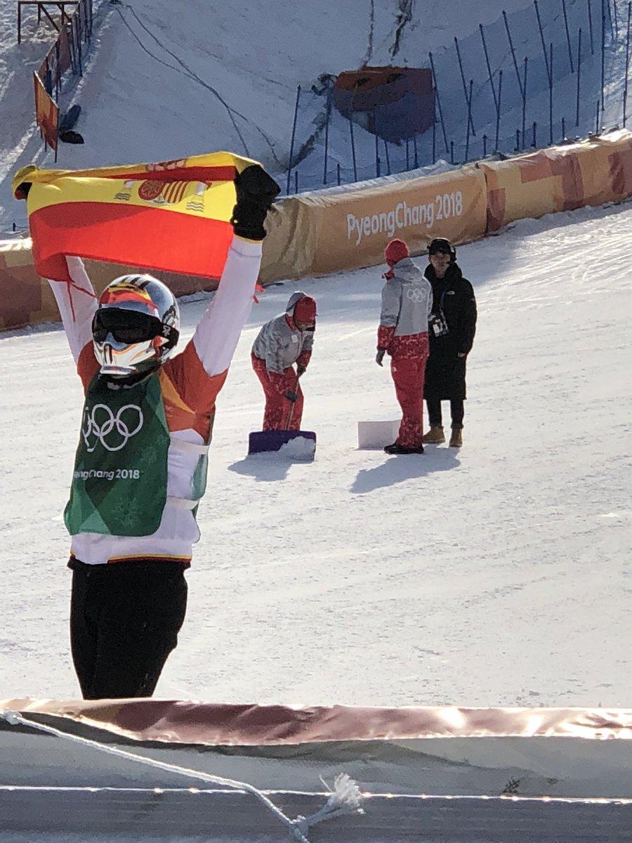 SSSSSIIIII!!!!!! Medalla de bronce olímpica para @Reginoherma ¡felicidades España spainsnow #TeamESP