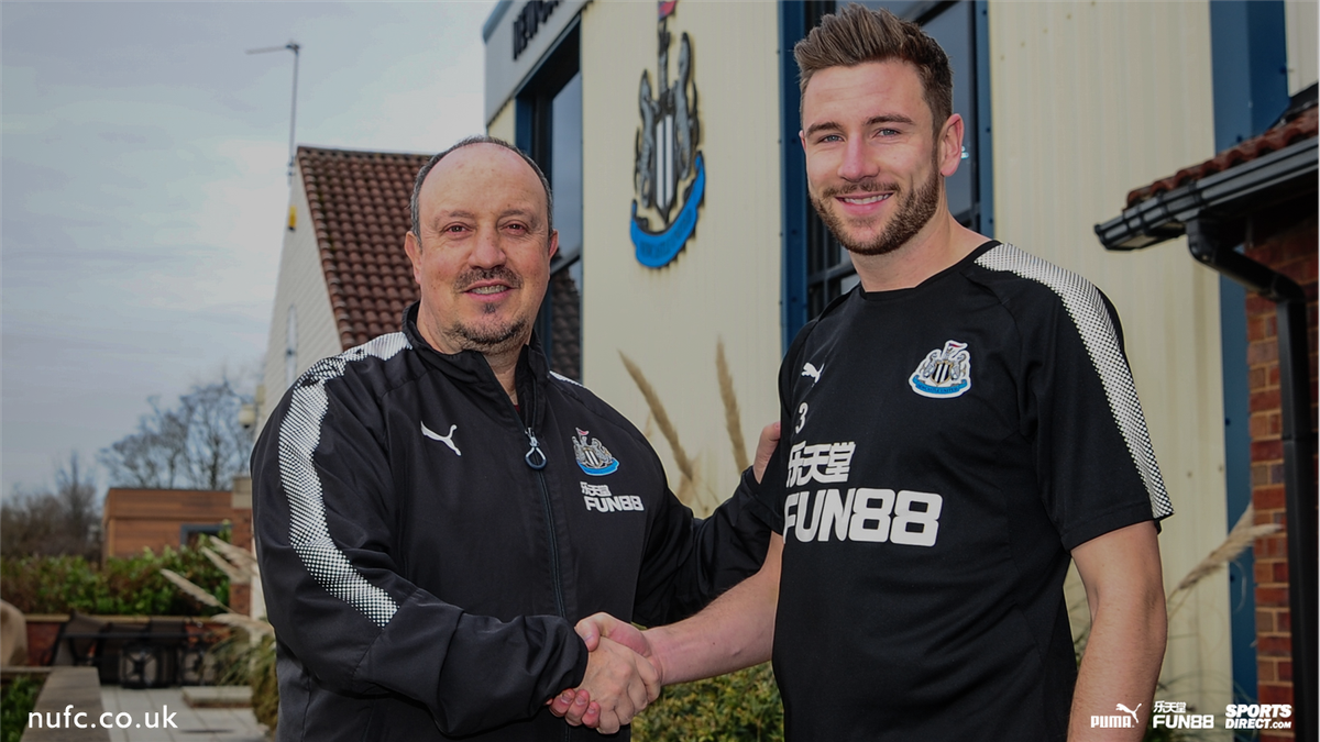 Were delighted to announce that defender @PaulDummett has signed a new long-term contract with Newcastle United!   Full story: nufc.co.uk/news/latest-ne… #NUFC