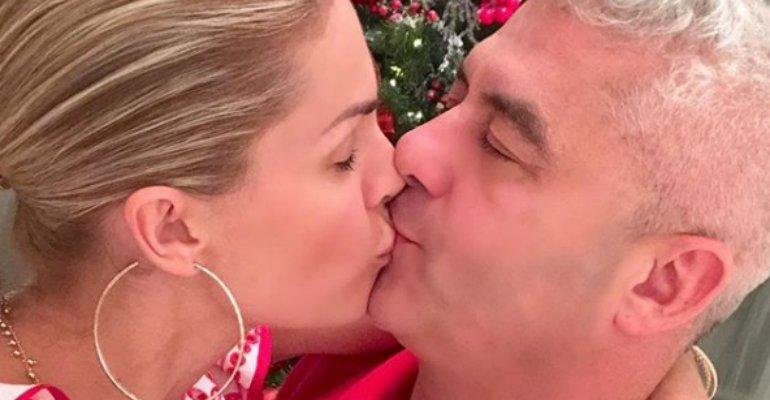.@ahickmann e Alexandre Correa comemoram 20 anos de casamento e revelam a (possível) fórmula perfeita para um relacionamento duradouro -> https://t.co/sZIfPY3aLG